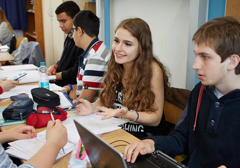 Jugendliche im Unterricht